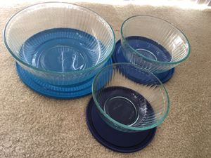 Glass Pyrex round bowls with lids for Sale in Irvine, CA