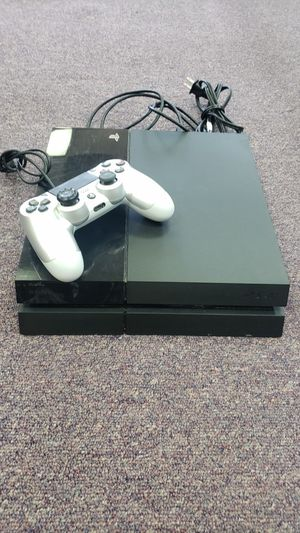 Sony Playstation 4 with controller for Sale in Fort Worth, TX