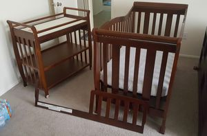 Baby crip with changing table plus mattress for Sale in Baltimore, MD