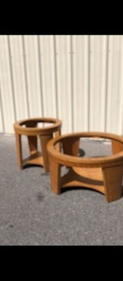 1 Coffee table anf 2 accent tables for Sale in Lakeland,  FL