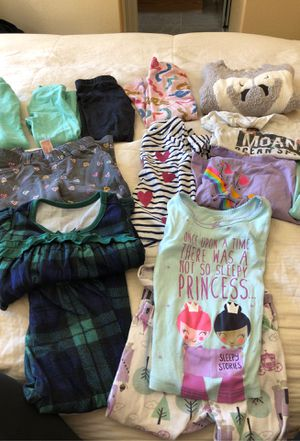 Toddler girl clothes 2T for Sale in Suisun City, CA