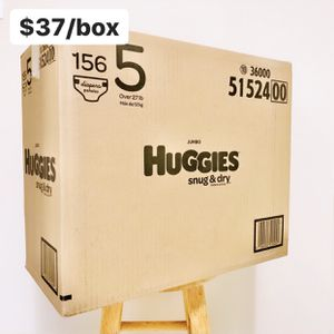 Size 5 (Over 27lbs) Huggies Snug Dry (156 baby diapers) for Sale in Anaheim, CA