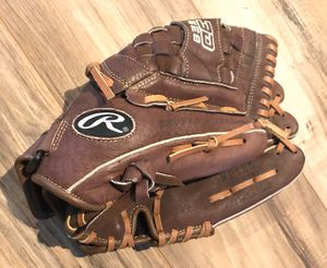 Rawlings FastPitch Softball Glove FP125 12.5 Inch Leather 3D Web Mitt for Sale in Tracy, CA