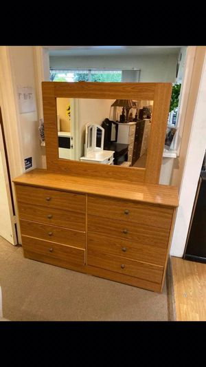 Compressed Wood Dresser and Mirror for Sale in Montebello, CA