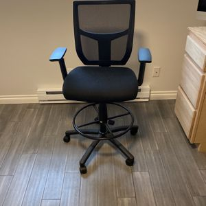 Rolling/Adjustable Office Chair for Sale in Lynnwood, WA