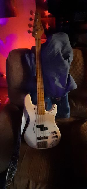 Hohner Bass Guitar Professional series for Sale in Nashville, TN