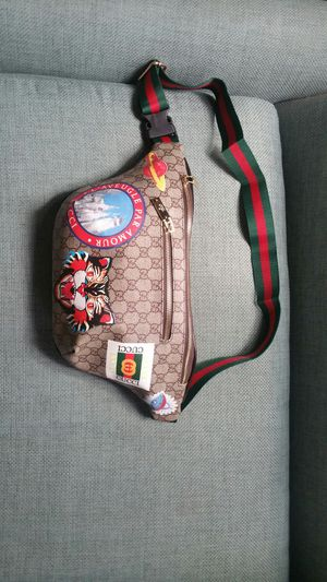 Gucci supreme waist chain belt fanny pack cross body gym bag sunglasses case wallet purse handbag lv clutch for Sale in San Diego, CA