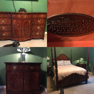 Broyhill Bedroom Queen Four Poster Bed frame Oversized Night Stand Dresser W/mirror for Sale in Abilene, TX