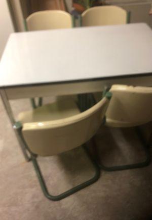 Vintage table for Sale in Pueblo, CO