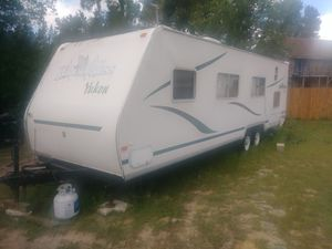 Fleetwood Yukon Wilderness Pull Behind Camper. for Sale in Dona Vista, FL