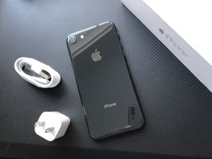 iPhone 8 .64 GB, excellent condition factory unlocked for Sale in Lorton, VA