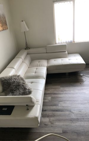 White leather sectional couch for Sale in Baldwin Hills, CA