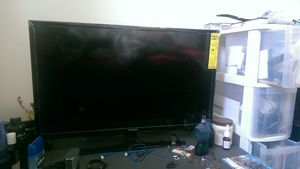 32 inch samsung tv and roku 1 player for Sale in Takoma Park, MD