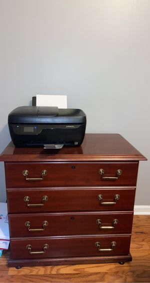 Desk, chair, filing cabinet, printer. for Sale in Spartanburg, SC