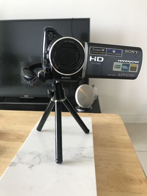 Small tripod stand for digital cameras for Sale in Miami, FL