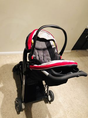 Graco Click Connect Travel System with car seat base for Sale in Houston, TX