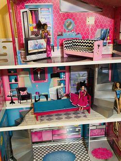 Kidkraft 5ft Dollhouse for Sale in San Angelo,  TX