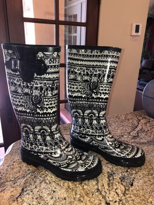 The Sak Sakroots Rhythm 'Peace' Rain Boots Waterproof. Women's size 7, Black and light Gray for Sale in Scottsdale, AZ