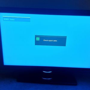 2 Tvs Samsung 50 Inch Swivel , And Seiki 32 Inch , 1 Cord , Both Works Fine , Takes The Same Cord for Sale in Aurora, CO