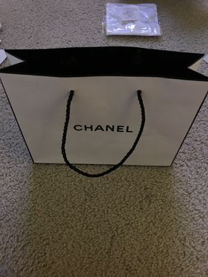 Chanel medium shopping bag for Sale in Los Angeles, CA