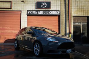 Ford Focus ST 2014 for Sale in Riverside, CA