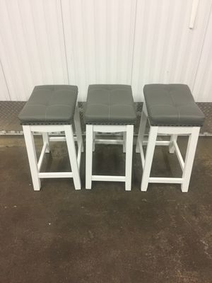 "3 24"" bar stools new . for Sale in Chicago, IL"