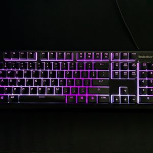Apex 3 Steelseries Keyboard for Sale in Irvine, CA