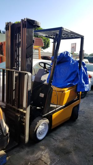 Yale forklift 3,500 lbs for Sale in Santa Fe Springs, CA