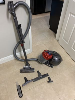 Dyson DC39 Canister vac for Sale in Lithia, FL