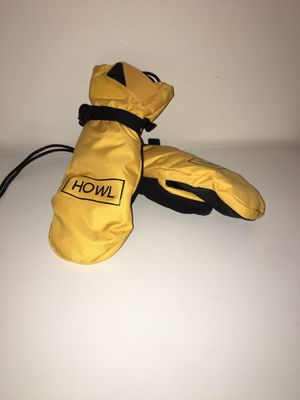 Howl snowboard mitts never worn for Sale in Marina del Rey, CA