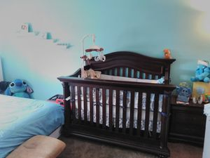 Solid Wood Heavy Cachet Crib Molding Crib With Marching Night Table And Mobile for Sale in Orlando, FL