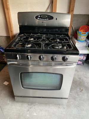 Remodel sale: stainless steel may tag gas range and oven for Sale in Portland, OR