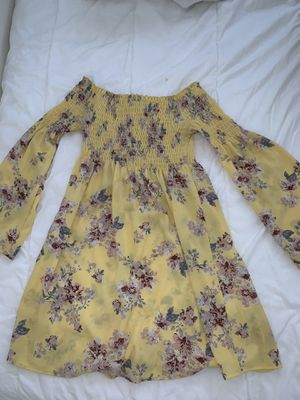 Yellow dress for Sale in Ontario, CA