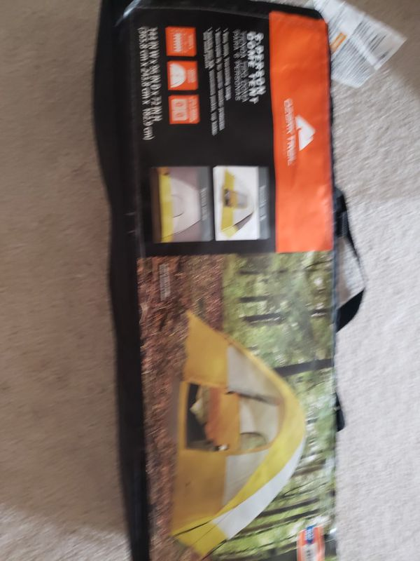 Ozark trail brand new 6 person dome tent 3 sleeping bags