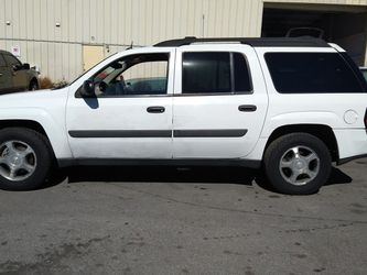 2005 TRAIL BLAZER EXT LS* 4.2L* V6* 3 ROWS SEATS* 190000+ MILES* SMOG IN HAND* IT RUNS AND DRIVES GOOD* SE HABLA ESPAÑOL* for Sale in Las Vegas,  NV