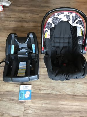 Graco car seat with base. for Sale in Edison, NJ