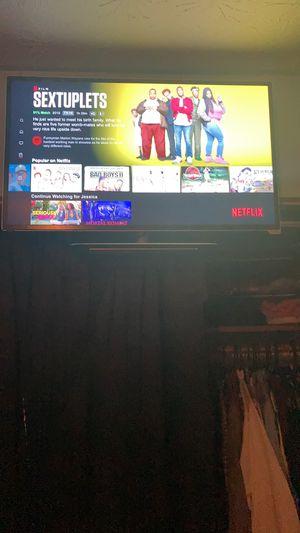 40 inch smart tv Razor LED for Sale in Jonesboro, GA