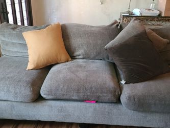 Couch 3 Years Old Paid 3k for Sale in Seal Beach,  CA