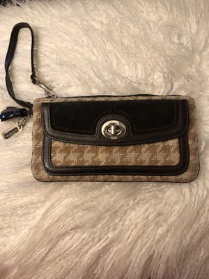 Coach wristlet for Sale in Cottonwood Heights, UT