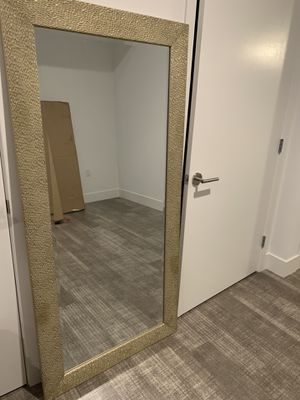 Gold Standing Mirror for Sale in Los Angeles, CA