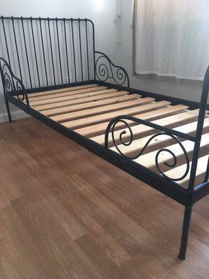 Twin bed for sale for Sale in San Francisco, CA