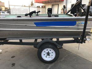 14ft aluminum Fishing boat for Sale in Turlock, CA