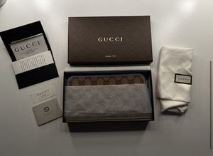 Gucci wallet for Sale in Naperville, IL