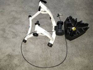 Giant Indoor Bike Trainer Road Bike Mountain Bike for Sale in Pikesville, MD