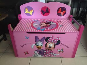 DISNEY Minnie Mouse/ Daisy Duck Pink TOY BOX BENCH- Kids Storage- FLAW! for Sale in Miami, FL