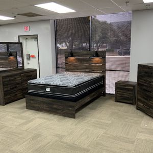 Furniture Bed Room Queen Set for Sale in Garland, TX