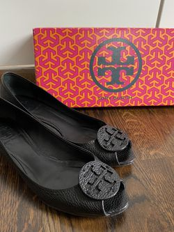 Tory Burch Kitty Open Toe Wedge - Black/8 for Sale in Brentwood,  TN