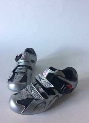 Woman specialized backing shoes size 36 eur 6 USA for Sale in Houston, TX