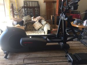 Life fitness exercise elliptical- like new condition for Sale in Scottsdale, AZ