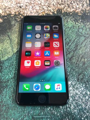 iPhone 8 Plus 64GB Space Gray Unlocked for Sale in Seattle, WA